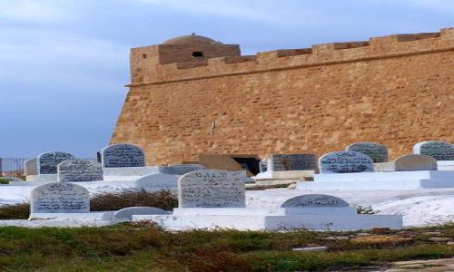 Zdjęcie TUNEZJA / Mahdia / Cmentarz za murami miasta / Trochę starej Tunezji7