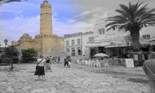 Zdjecie TUNEZJA / Sousse / Medina / Błękit