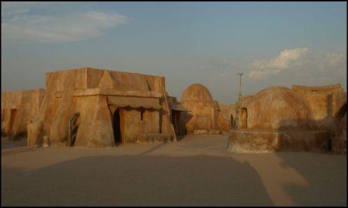 Zdjecie TUNEZJA / okolice El Hamma du Jerid / pustynia / kto zna te miejsca?... mój Ben na wylot