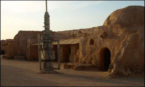 Zdjecie TUNEZJA / okolice El Hamma du Jerid / pustynia- i plan filmu Gwiezdne Wojny / .....
