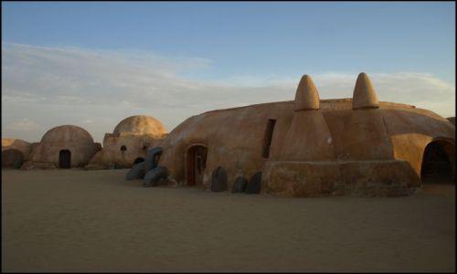 Zdjecie TUNEZJA / okolice El Hamma du Jerid / plan filmu Gwiezdne Wojny / szkoda że ... takie małe