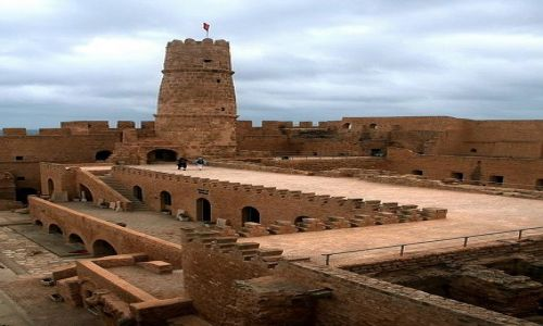 TUNEZJA / Wschodnia Tunezja / Monastir / Ribat