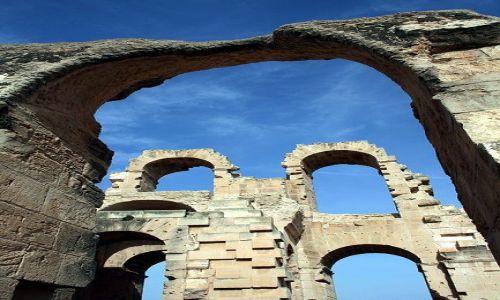 TUNEZJA / Środkowo-wschodnia Tunezja / El Jem / Rzymski amfiteatr w Afryce