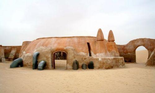 TUNEZJA / - / Ong Jemal / Rodzinny dom Dartha Vadera