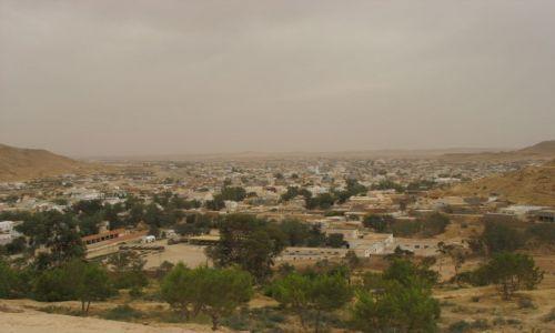 Zdjęcie TUNEZJA / południe Tunezji / Tataouine / miasto u progu pustyni