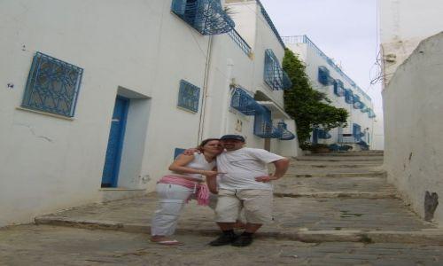 Zdjęcie TUNEZJA / sidi bu said / gdzies w mieście / niebiesko białe miasto