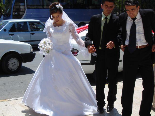 Zdj�cia: Konya, �lub tureckiej pary, TURCJA