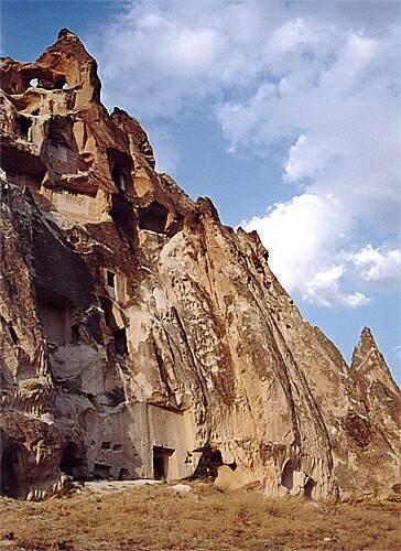 Zdj�cia: okolice Goreme, Kapadocja, Pi�trowe domy skalne, TURCJA