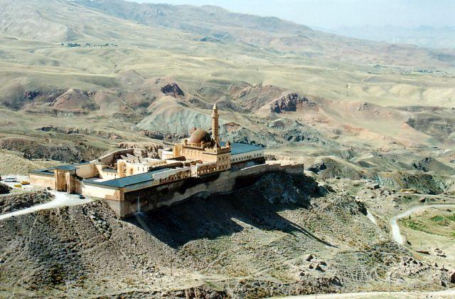 Zdjęcia: okolice Dogubeyazit , Wschodnia Turcja przy granicy z Iranem, Pałac Ishaka Paszy , TURCJA
