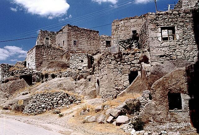 Zdjęcia: Kapadocja, Typowa wioska w Kapadocji, TURCJA