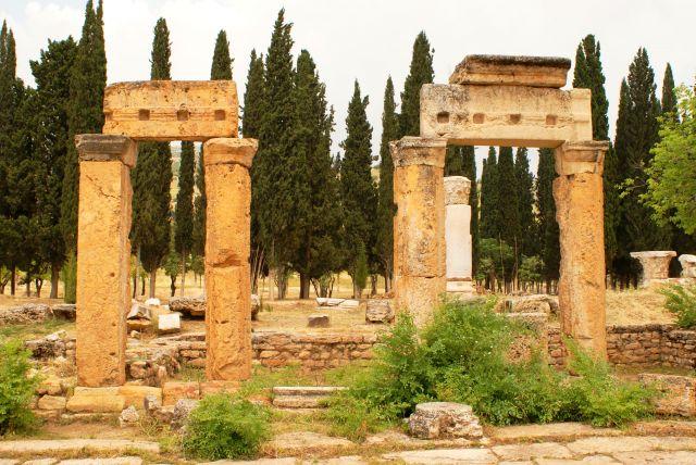 Zdjęcia: Hierapolis,  , Nekropolis, TURCJA