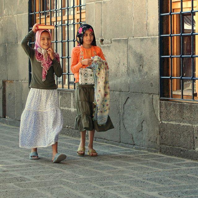 Zdjęcia: Diyarbakir, dziedziniec meczetu , TURCJA, TURCJA