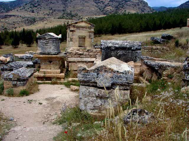 Zdjęcia:  Hierapolis -Nekropolia, Hierapoils-Nekropolia, ..., TURCJA