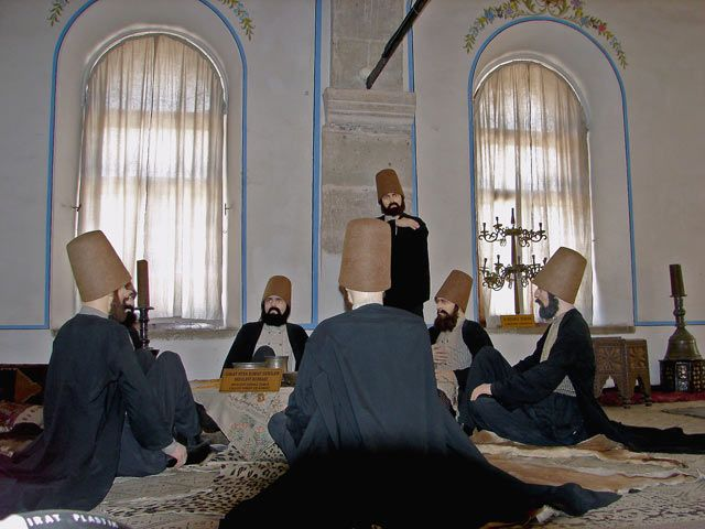 Zdj�cia: �wi�tynia Mevlany , Konya - na Wy�ynie Anatolijskiej, u p�nocnego podn�a Taurus, �niadanie u Ta�czacych Derwiszy, TURCJA