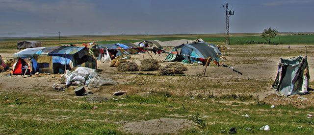 Zdjęcia: w Turcji to widok normalny tak mieszkaja Kurdowie , smutna rzeczywistosc, TURCJA