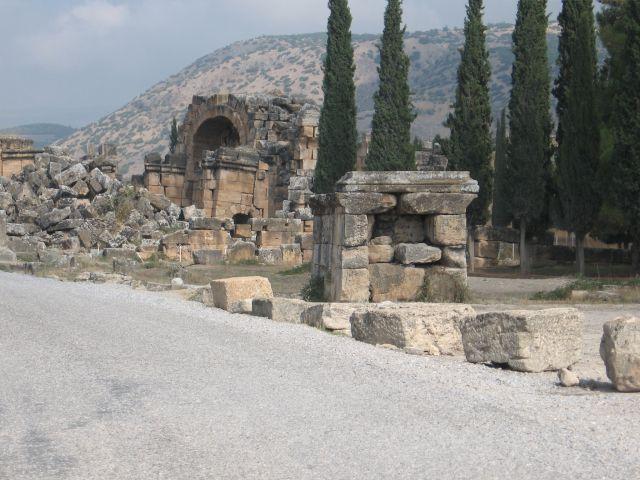 Zdj�cia: starozytne miasto hieropolis, tu ju� chyba nikt nie mieszka, TURCJA