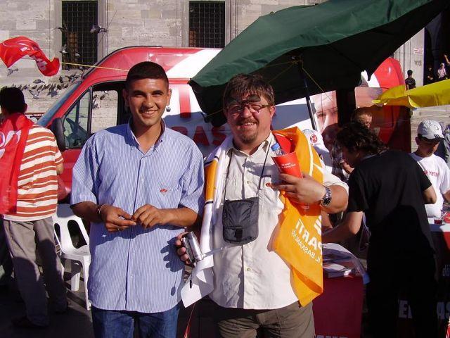 Zdj�cia: bazar, Istambul, kampania wyborcza, TURCJA