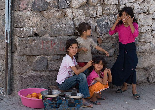 Zdjęcia: Diyarbakir, południowy wschód, Dzieci z Diyarbakiru, TURCJA