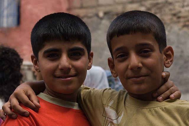 Zdjęcia: Diyarbakir, Wschodnia Anatolia, chłopcy..., TURCJA