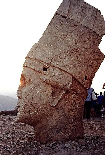 Zdjęcia: Nemrut Dagi, ...przy granicy Syryjskiej, Błysk w oku Boga, TURCJA
