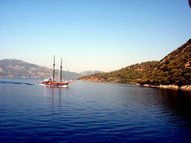 Zdjęcia: Fethiye, Turcja Egejska, samotny jacht, TURCJA