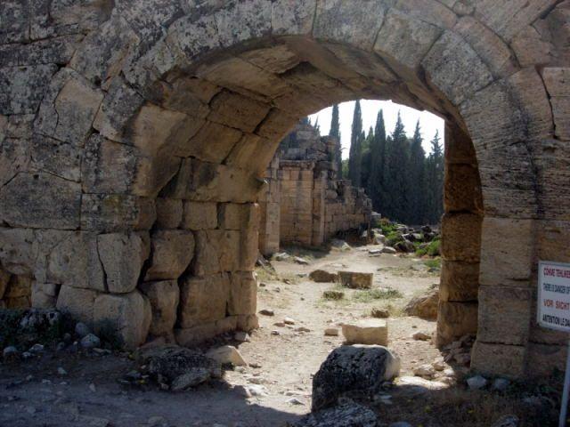 Zdjęcia: Pamukkale, Turcja Egejska, Hierapolis, TURCJA