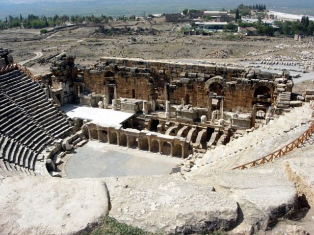 Zdjęcia: Pamukkale, Turcja Egejska, tetr w Hierapolis, TURCJA