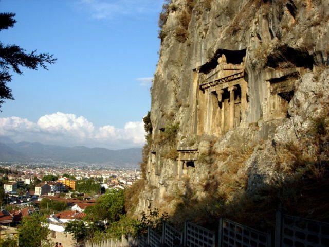 Zdjęcia: Fethiye, Turcja Egejska, Amintas góruje nad Fethiye, TURCJA