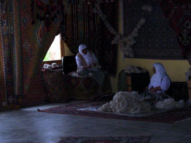 Zdjęcia: Fethiye, Turcja Egejska, w fabryce dywanów, TURCJA