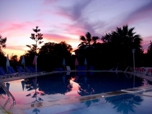 Zdj�cia: Fethiye, Turcja Egejska, ...a woda w basenie 25 stopni, TURCJA