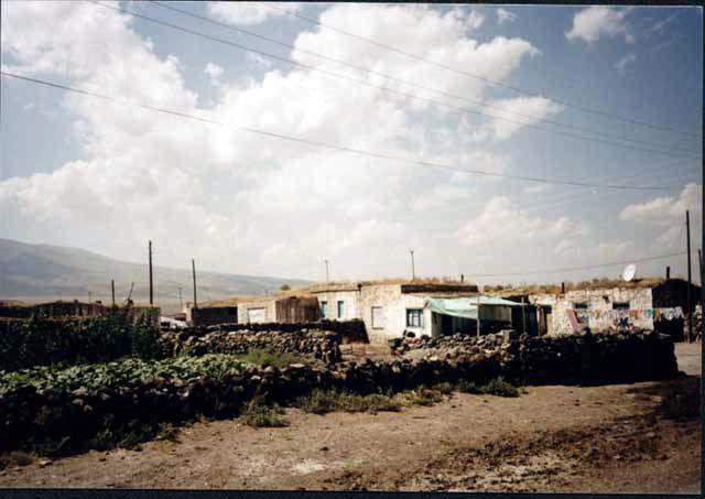 Zdjęcia: Okolice granicy turecko-armeńskiej, Typowa osada Kurdyjska niedaleko Ani, TURCJA