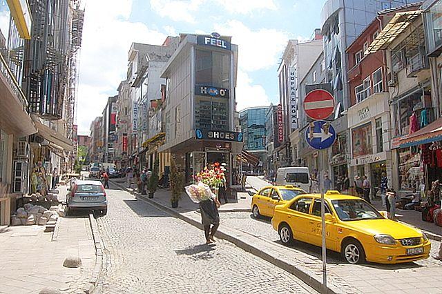 Zdj�cia: Stambu�, Stambulska uliczka, TURCJA