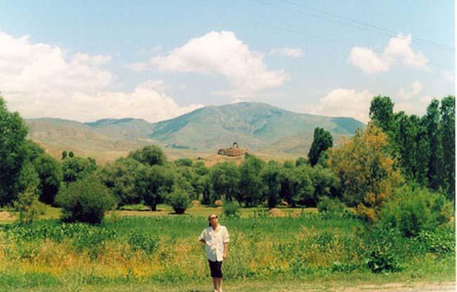 Zdj�cia: Gruzi�skie doliny, Gruzi�skie doliny - Ormia�ski ko�ci� Aksar, TURCJA