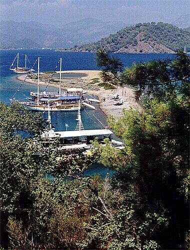 Zdj�cia: Jedna z 12-stu wysp przy Fethye, Fethye, Niezwyk�a wyspa, TURCJA