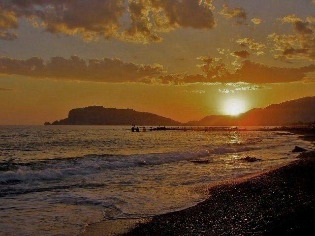 Zdjęcia: wybrzeże, Alanya, W blasku zachodzącego słońca, TURCJA