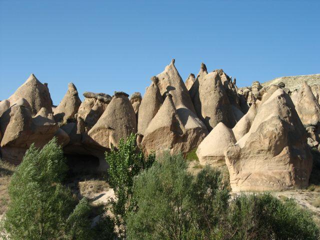Zdjęcia: Kapadocja, Kapadocja, zastygle w kamieniu ludziki, TURCJA