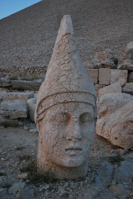 Zdjęcia: Góra Nemrut, Turcja Wschodnia, Głowizna, TURCJA