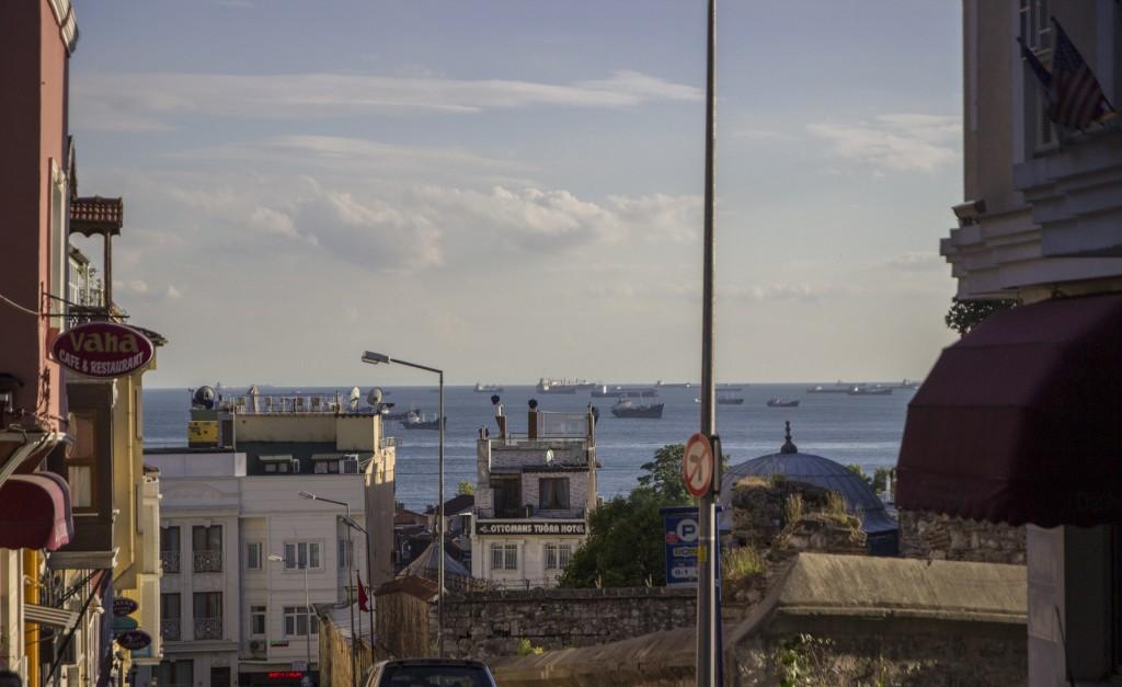 Zdjęcia: Stambuł, Stambuł, statki na morzu Marmara, TURCJA