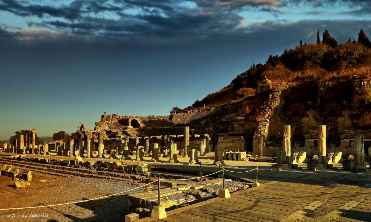Zdjęcia: Efez,  Azji Mniejszej, Termy Variusa, TURCJA