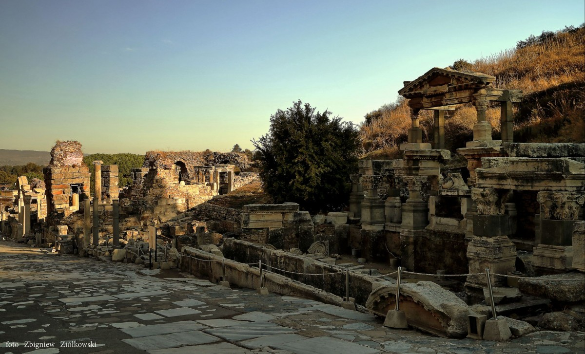 Zdjęcia: Efez,  Azji Mniejszej, W ruinach Efezu, TURCJA