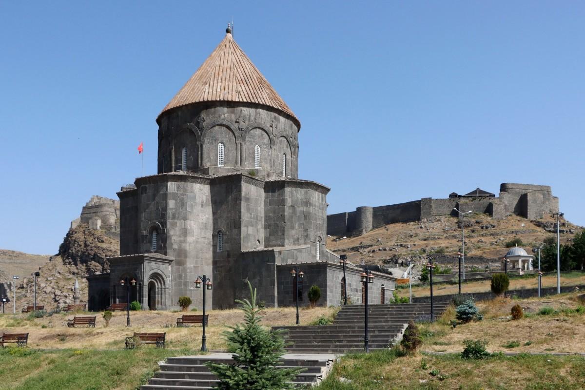 Zdjęcia: Kars, wschodnia Anatolia, Ormiańska katedra w Kars, obecnie meczet, TURCJA