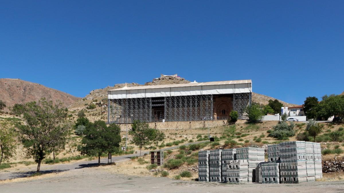 Zdjęcia: Divrigi, środkowa Anatolia, Wielki Meczet i szpital w Divrigi w renowacji, TURCJA