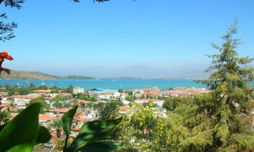 Zdjecie TURCJA / Fethiye to niewielkie miasto, położone między zboczami gór i malowniczą zatoką.  / Fethiye / Fethiye