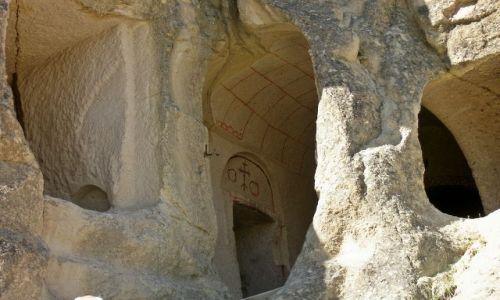 Zdjęcie TURCJA / Kapadocja / Dolina Goreme / Kościół w skale