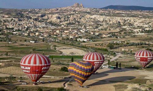 Zdjecie TURCJA / - / Kapadocja / lot balonem