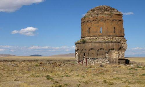 Zdjecie TURCJA / Wschodnia Anatolia. Kurdystan / Ani / Wśród ruin miasta Ani