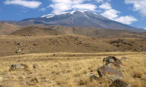 TURCJA / Wschodnia Anatolia. Kurdystan / wulkan Ararat 5 137 m n.p.m. / Ararat