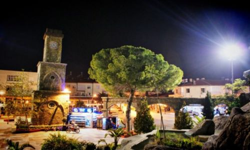 Zdjecie TURCJA / Południe / Miasteczko nad Morzem Śródziemnym / KONKURS Turecki