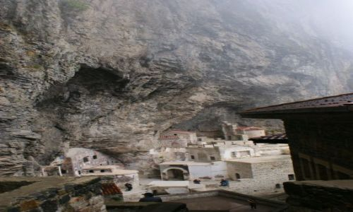 Zdjecie TURCJA / Trabzion  / Klasztor Sumela w górach (w skale) / Sumela Monaster