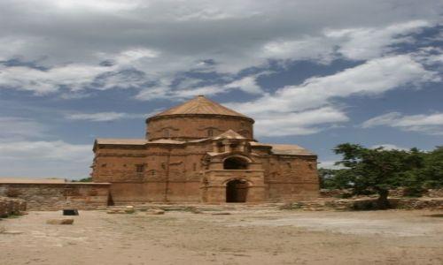TURCJA / Wan / Jezioro Wan / Ormiański kościół na wyspie Akdamar